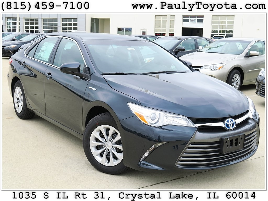new 2017 toyota camry hybrid le 4d sedan in crystal lake ca26731 pauly toyota. Black Bedroom Furniture Sets. Home Design Ideas